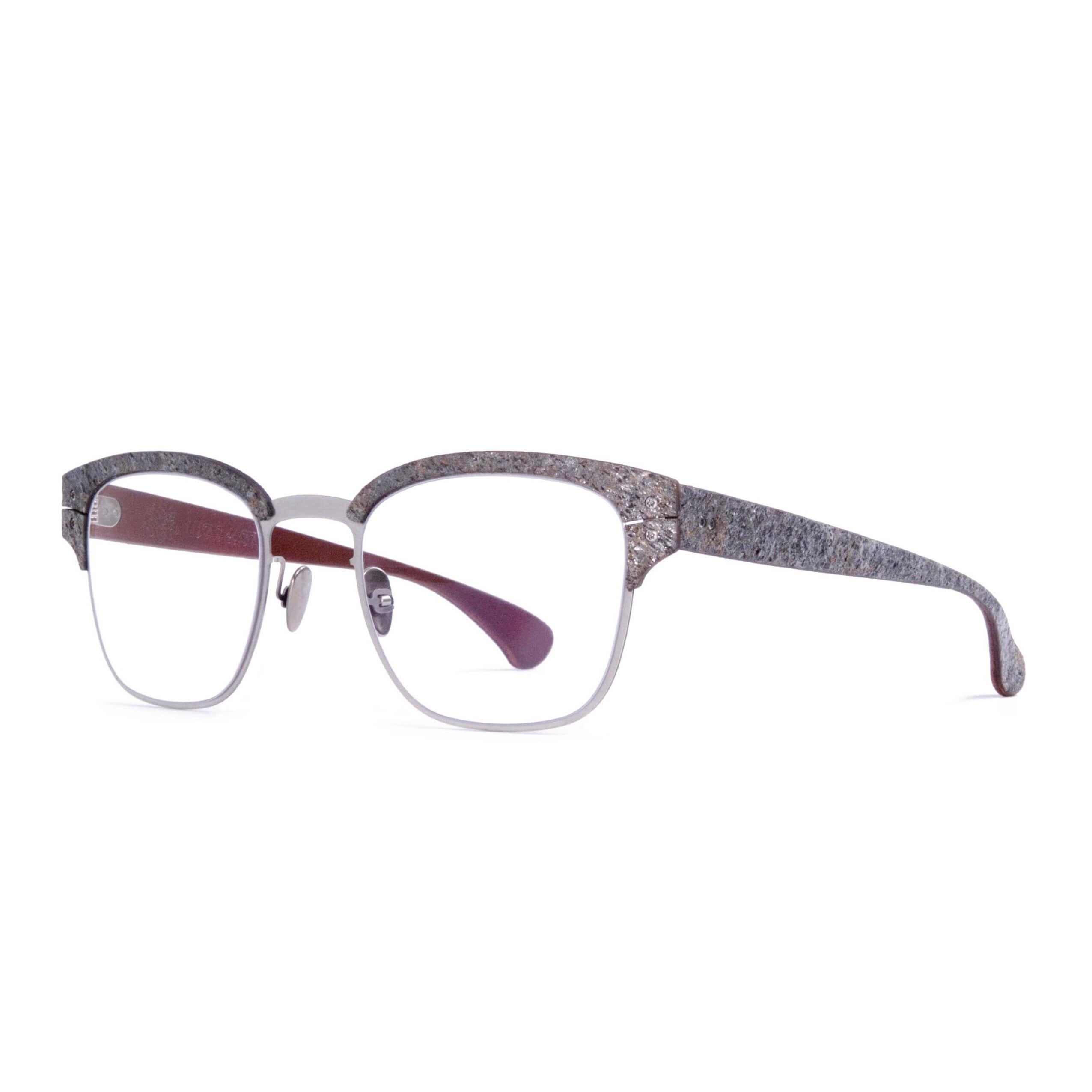 7b4a0de3ee5e37 De nieuwste brillen binnen de collectie zijn afgewerkt met gerookte kurk.  Sinds mei 2016 is er ook iedere maand een gelimiteerd model verkrijgbaar